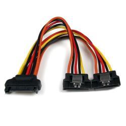 StarTech.com Cable 0,15m Adaptador Bifurcador Divisor Splitter Alimentación Corriente SATA Latch Cierre Pestillo - 2x Hembra - 1x Macho - separador de